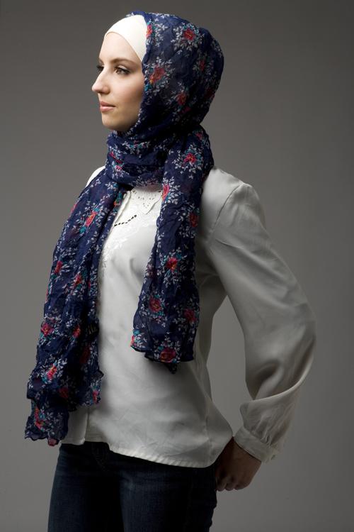 صرعة الحجاب المطبع بالأزهار لربيع وصيف 2013